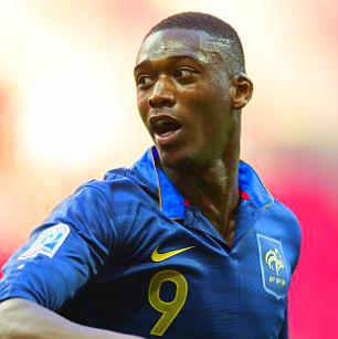 Arsenal finally complete Yaya Sanogo transfer